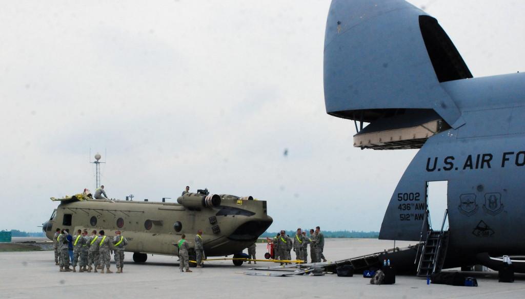 HelMAS CH-47 onto C-5