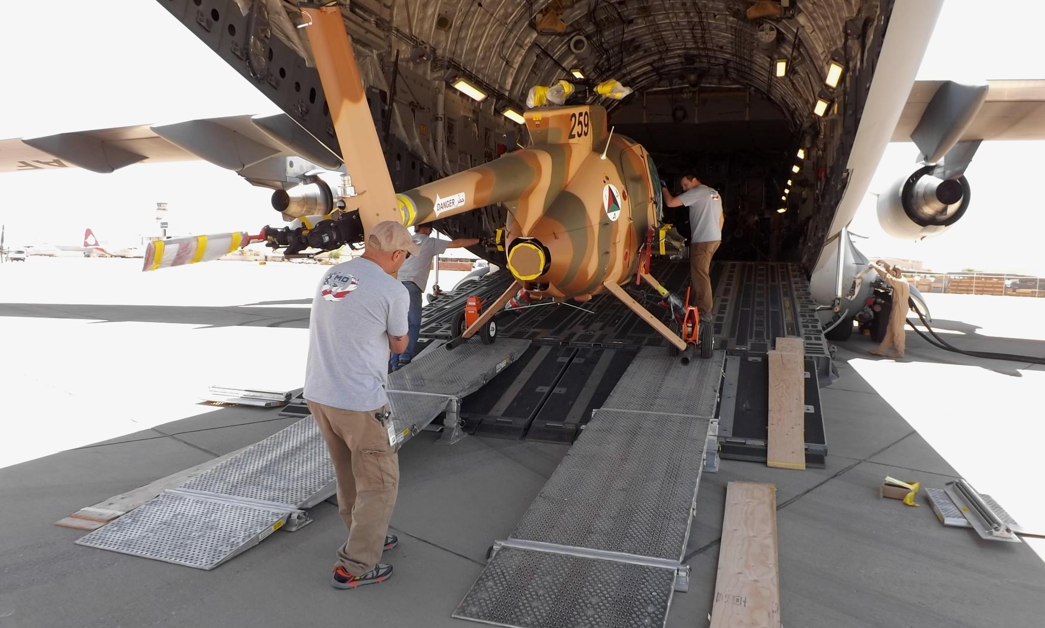 HelMAS MH-6 into C-17
